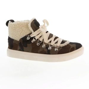 Very G. Snuggly Sherpa Sneaker Camouflage